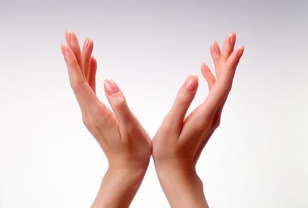 Bí quyết chăm sóc móng tay khỏe đẹp