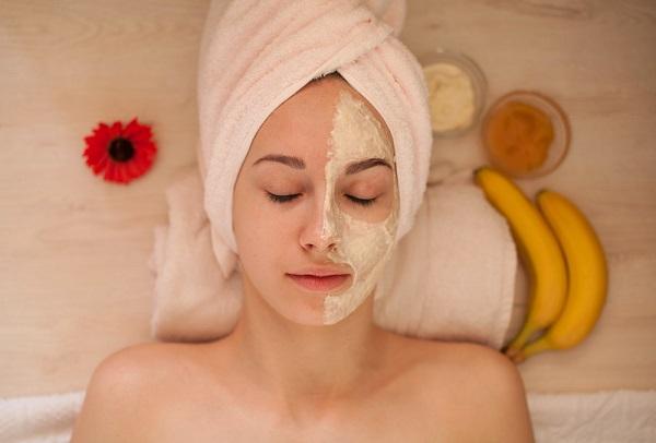 13 cách làm mặt nạ chuối trị nám da và tóc xơ rối
